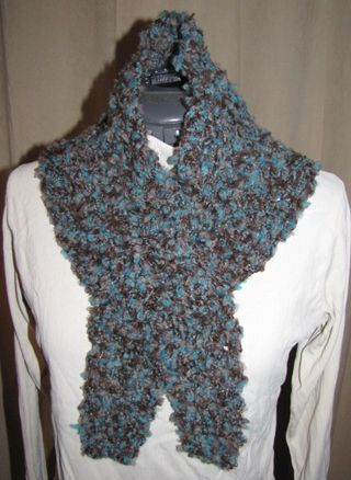 Crochet-scarf-01-front